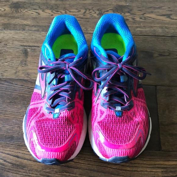c56d550afff Brooks Shoes - Woman s brooks Ravenna 6 sneakers 7.5